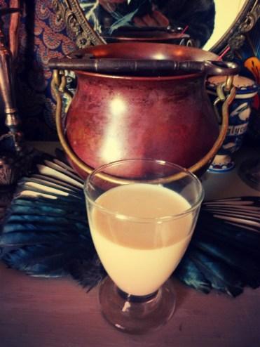 Offrande de lait parfumé aux esprits